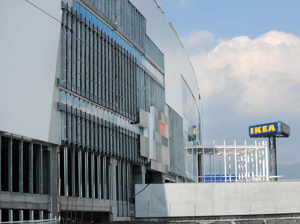 Brescia Una Nuova Fermata Dei Bus Per Il Centro Commerciale Ikea