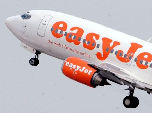 Easyjet non accetta carta di soggiorno provvisoria: 17enne lasciata ...