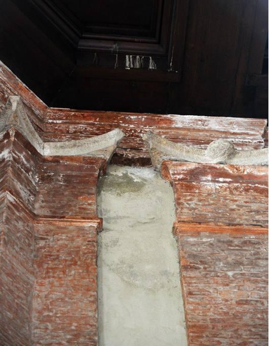 Brescia: infiltrazioni d'acqua nel salone Vanvitelliano ...