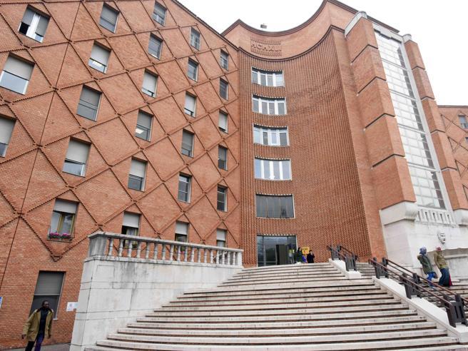Neonato ucciso dal batterio a Brescia, indagato l?intero reparto