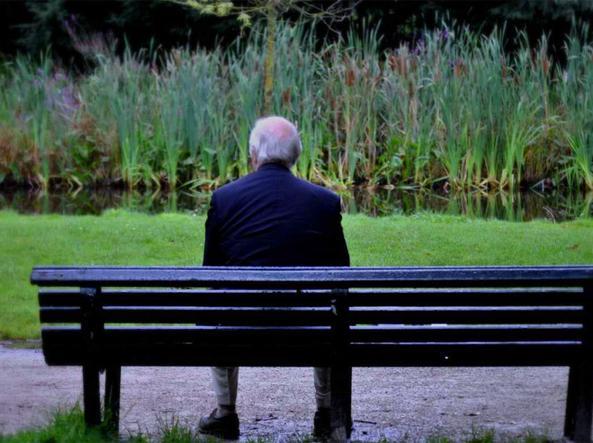 «Mi sono innamorata di te...», così una bresciana truffava gli anziani